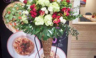 開店祝いのお祝いスタンド花