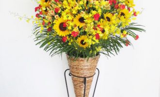 ひまわり入りミディアムスタンド花